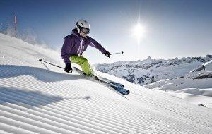 Skifahren in den Allgäuer Alpen © Allgäu GmbH, Marc Oeder