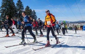 Massenstart zur Skimo Challenge am Tegelberg © Michael Lukaszewski, © Füssen Tourismus und Marketing_Michael Lukaszewski