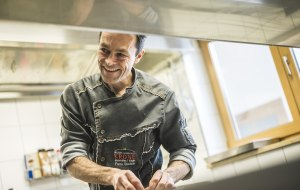 Frank Übelhör kocht vorzugsweise Slow Food 2, © Allgäu GmbH, Dominik Berchtold